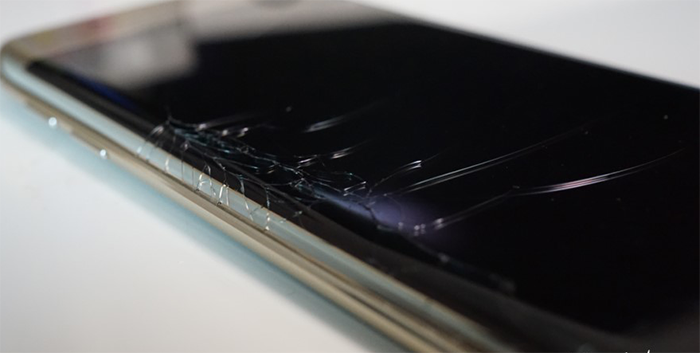 Broken Samsung Galaxy S6 Edge Screen Replacement