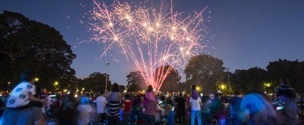 JWP 4842_CHR13_JW_Alex_Fireworks 620x256