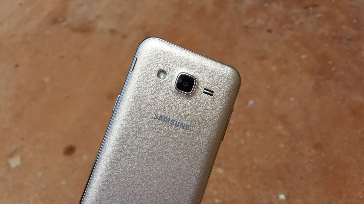 Galaxy J3 photos show it's business as usual