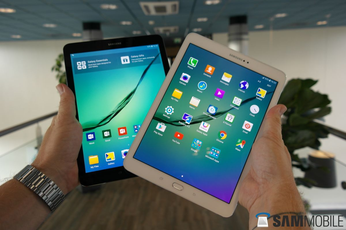 Samsung's new ad for the holidays promotes the Galaxy Tab S2