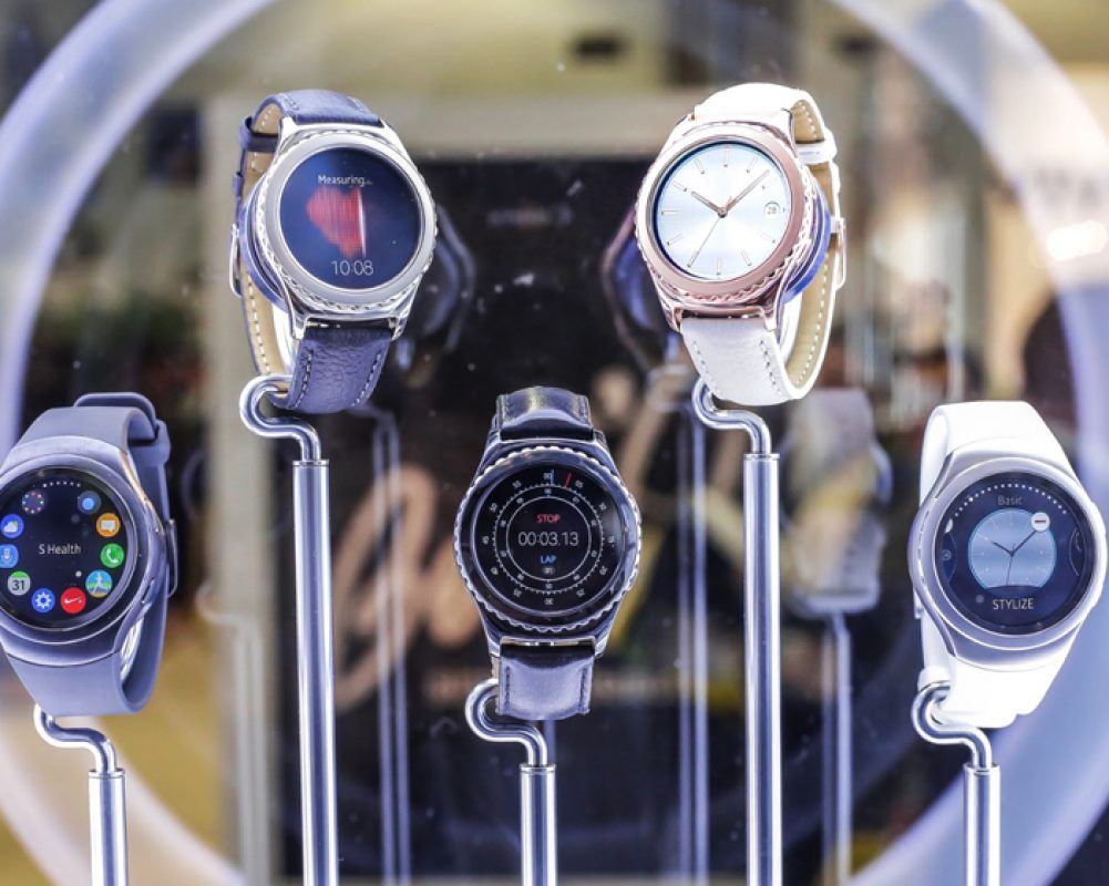 Gear S2 Rose Gold and Platinum watch faces released with new update