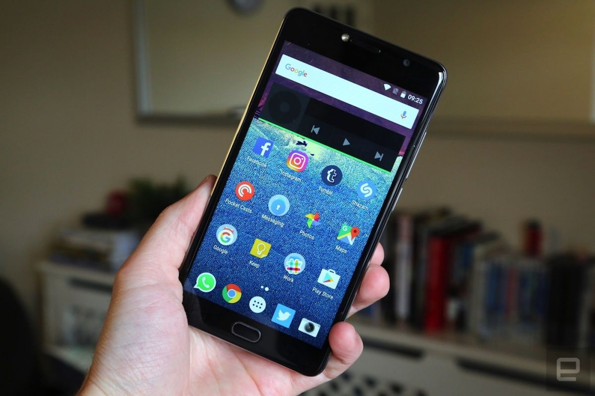 Vodafone's Smart Ultra 7 is another unremarkable refresh