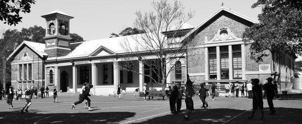 Erskineville_Public_School_courtesy of Sardaka Wikimedia Commons 620x256