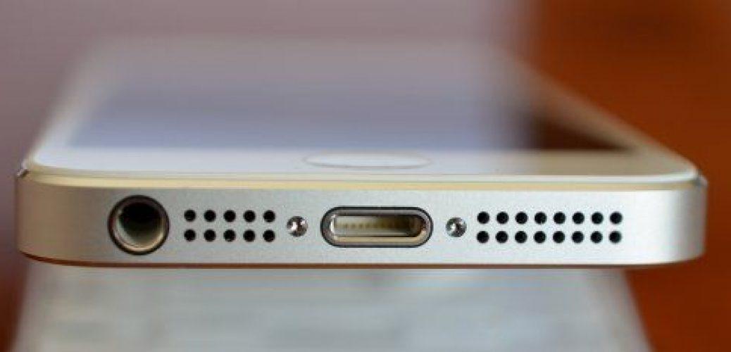 iPhone 5 Lightning Port
