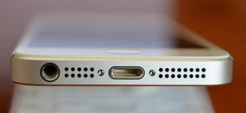iPhone 5 Lightning Port