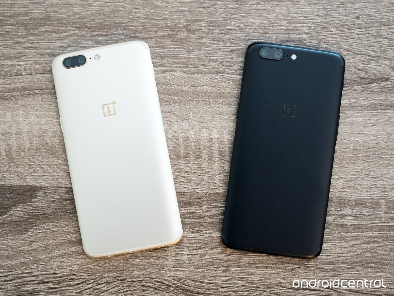 oneplus-5-soft-gold-and-black