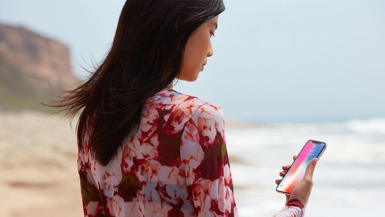 iphonex_face_recognition_beach