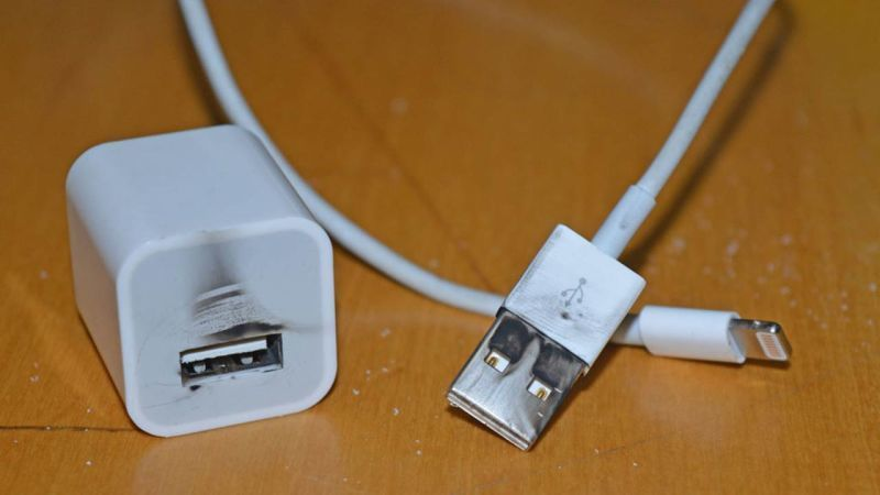 fake iphone chargers 2