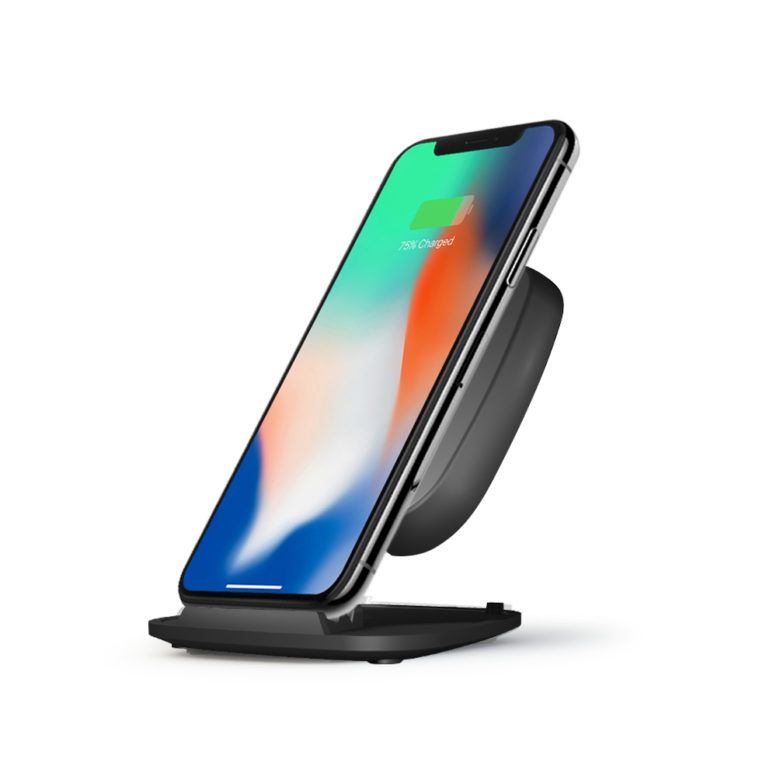 ZESC07B-A-Stand-charger-Black-Iphone.b691bf8b50984ea4a88d87bc5b58e69f-780x780
