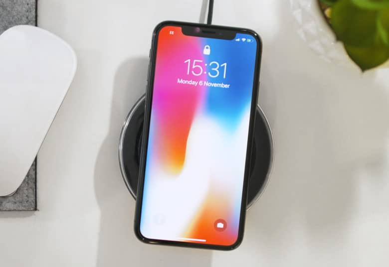 iphone_x_wireless_charging-780x536