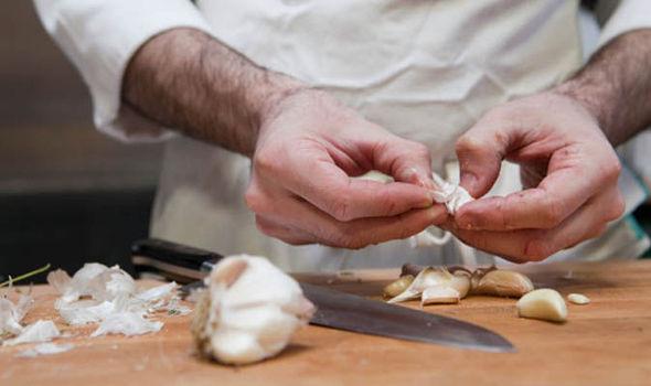 coronavirus australia update news eating garlic
